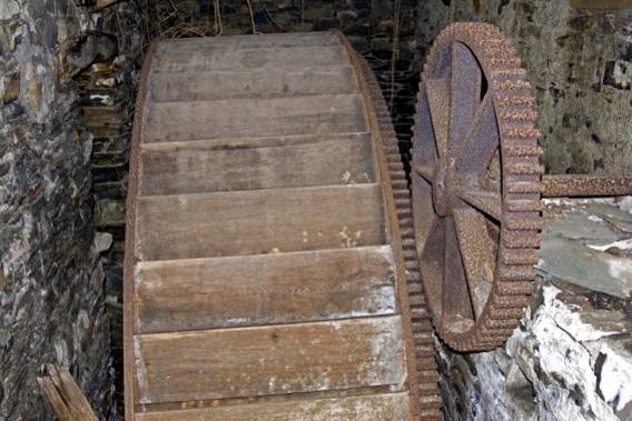 The waterwheel at Dunthwaite House.